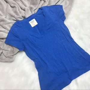 Abercrombie & Fitch V-Neck T-Shirt Tee M